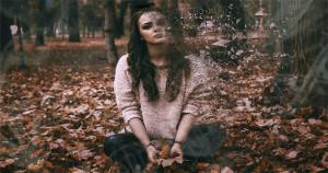 9 semne ale depresiei ascunse, la oamenii care la exterior par să nu aibă nicio problemă