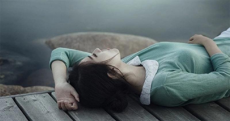 Psihologii recomandă 7 modalități de a scăpa de starea în care te simți leneș și inutil