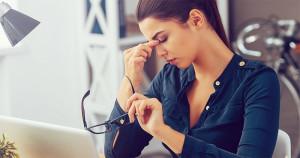 Cum înțelegi că ești epuizat emoțional: acordă atenție acestor 4 semne